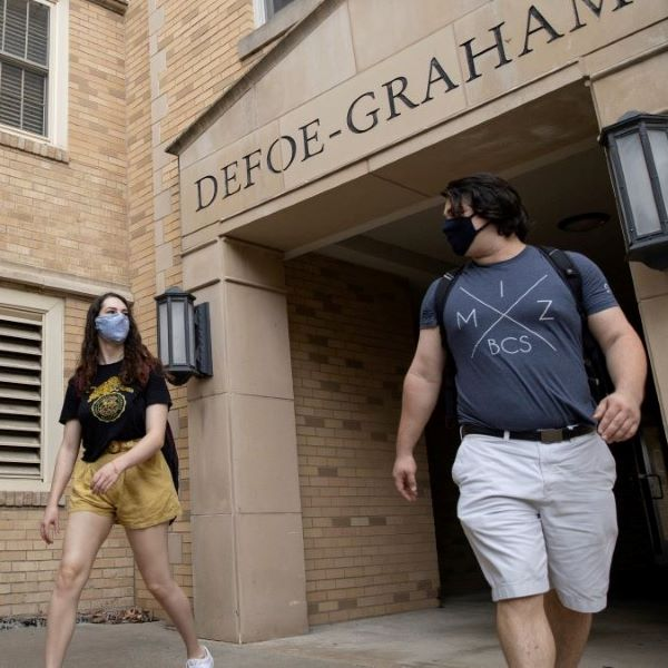 summer students in front of Defoe-Graham